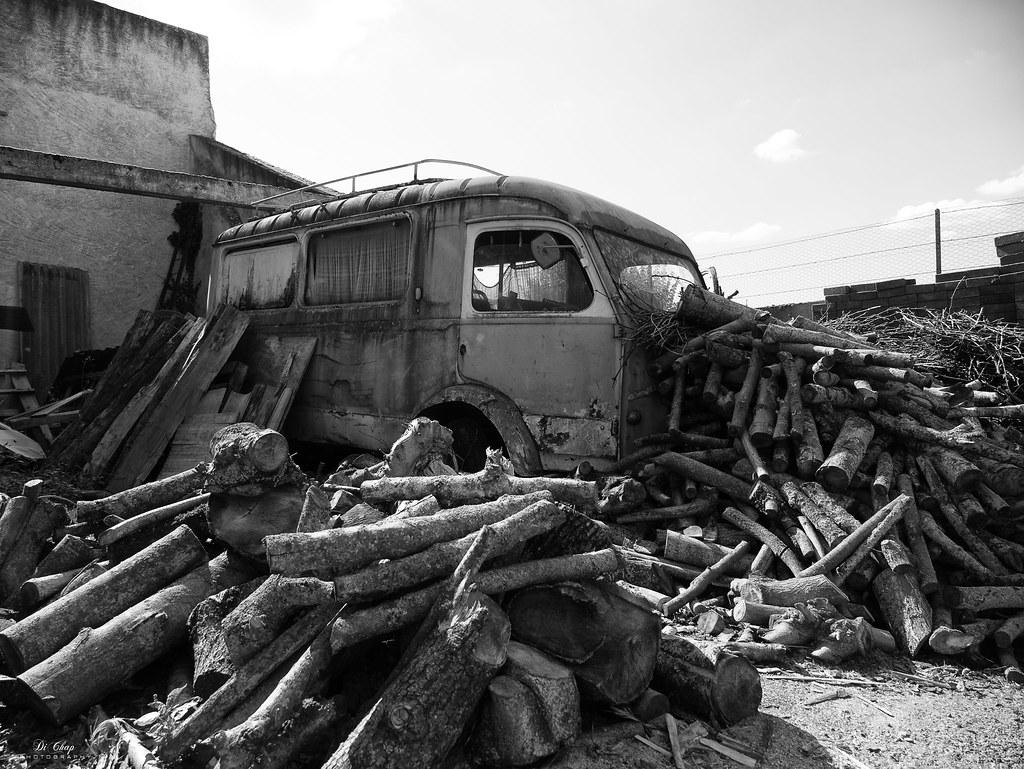 Wood truck 30011025197_fa07e7638b_b