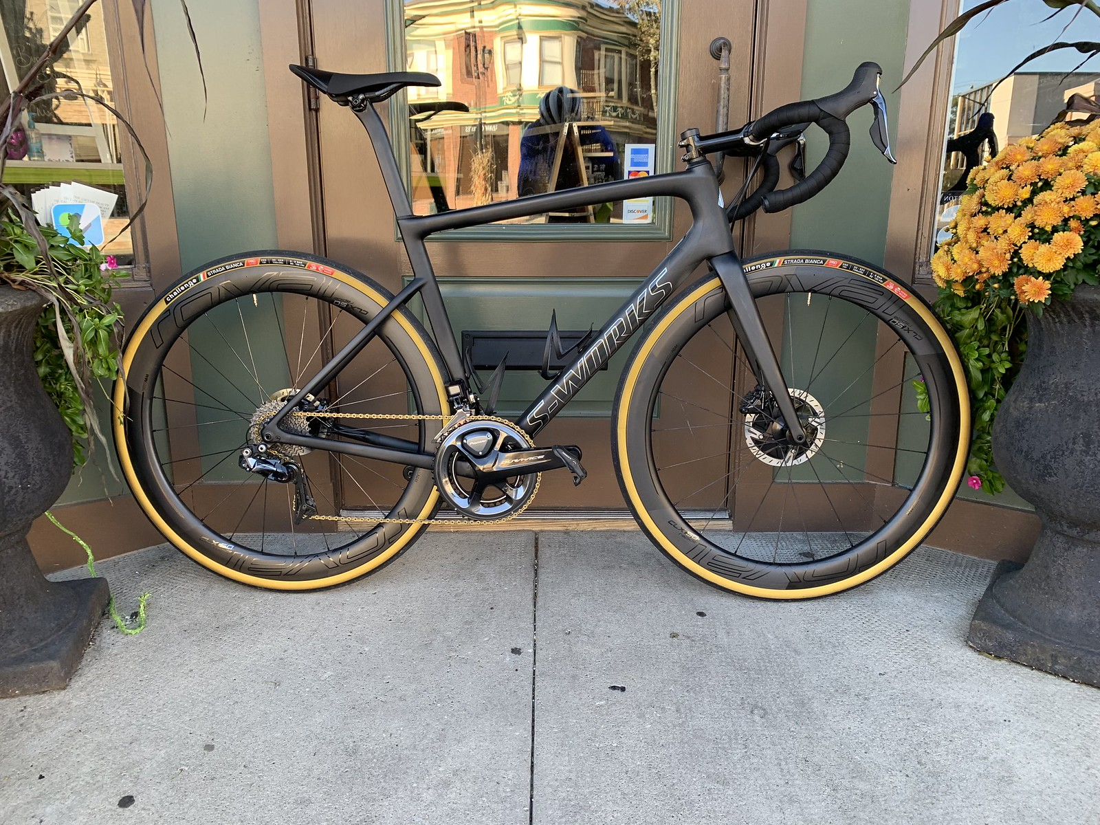 2019 S-Works Tarmac SL6 Disc (6,900g) - Weight Weenies