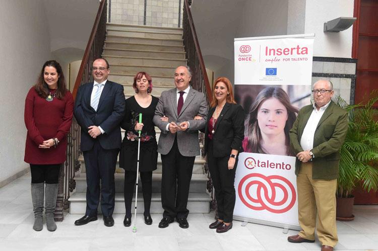 Inserta Empleo y el Ayuntamiento firman un convenio para la integración laboral de discapacitados