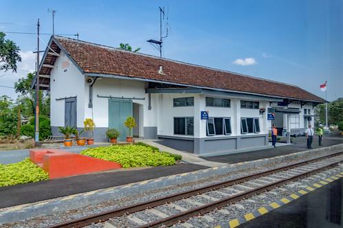 station stasiun railway keretaapi indonesia jawa java dutch heritage building architecture jawatengah centraljava notog purwokerto banyumas