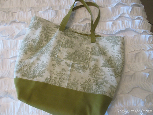 7-Totebag in Green and Toile
