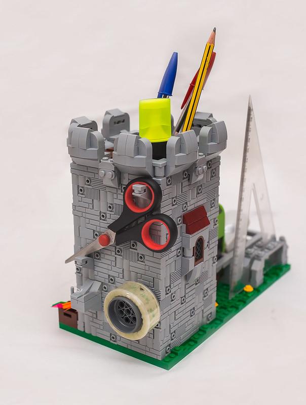 [LEGO Ideas]: Castle Desktop Organizer 31537582368_d9fda2ac0b_c