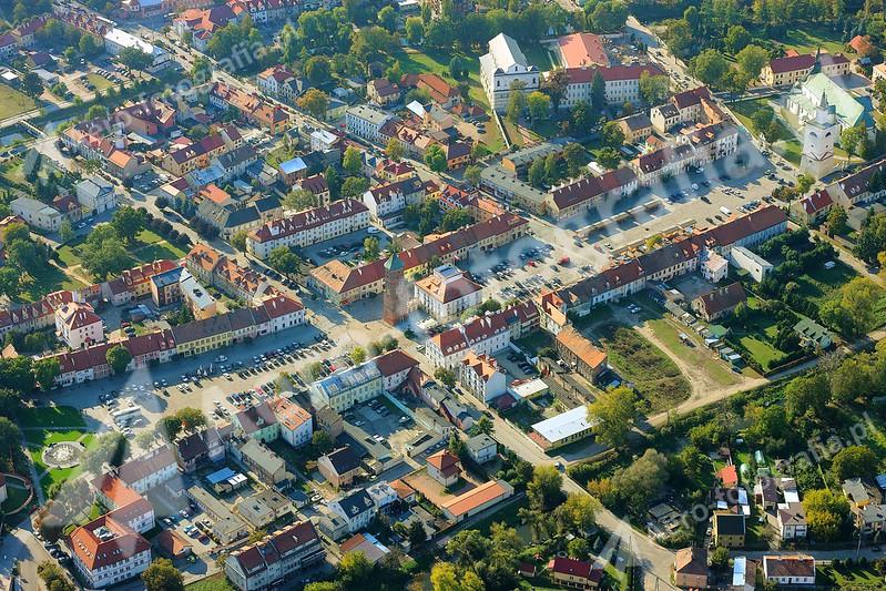 Pułtusk - rynek. Ujęcie z północy.