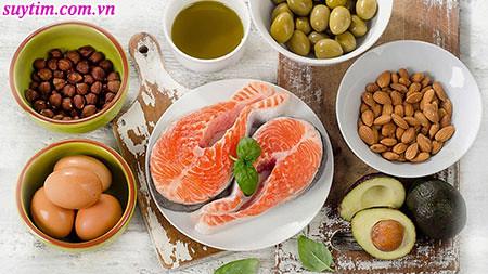 Cá hồi và các thực phẩm giàu omega – 3 tốt cho người bệnh mạch vành
