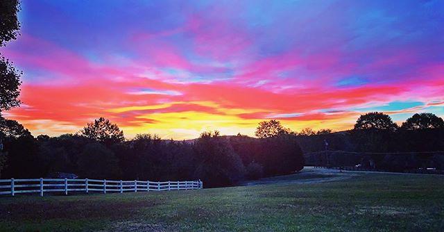 Pretty colorful sunrise this morning. #gadsden #al
