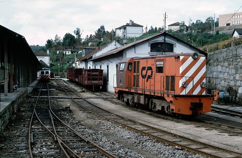 1000mm gauge Bo-BoDE no.9002 at Livração, Portugal.