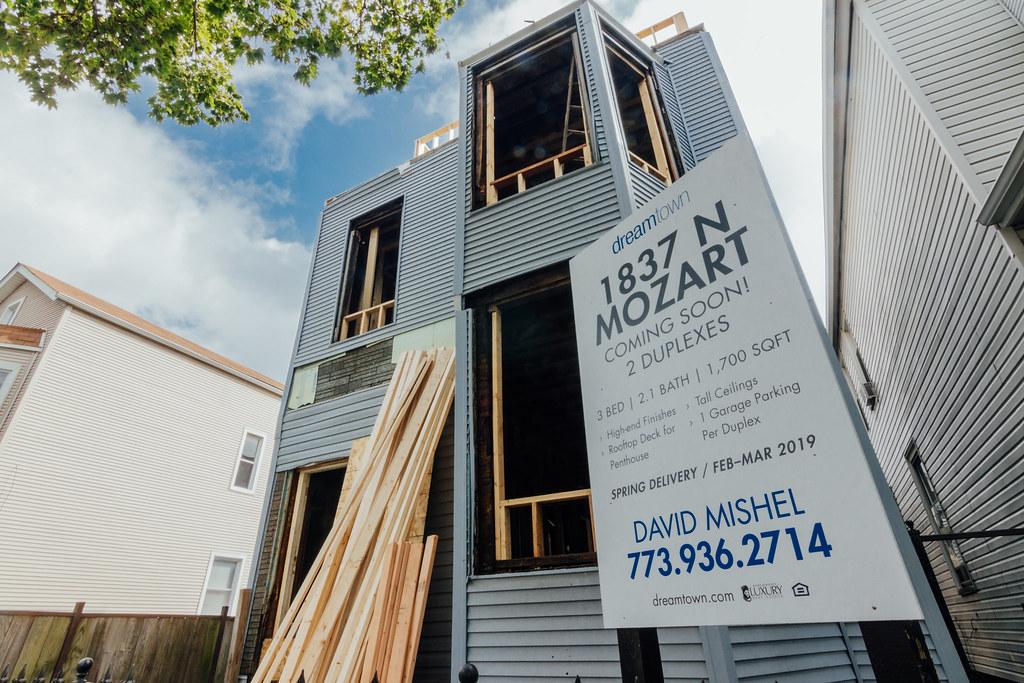 20180925-1837 N Mozart Ave