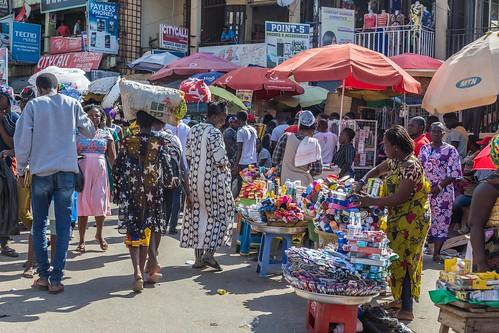 ghana kumasi market people umbrella ashanti gh