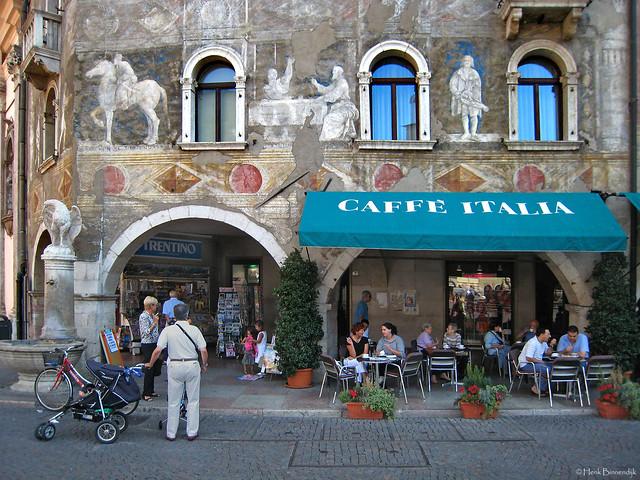 Italy: Trento Caffè Italia, Canon DIGITAL IXUS 850 IS