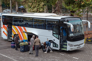 Reisebus am Hotel Shodlik Palace, Taschkent