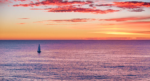 portmacquarie lighthousebeach tackingpoint pacificocean ocean pacific sunrise sky sea colour australia sailboat sailing boating boat water