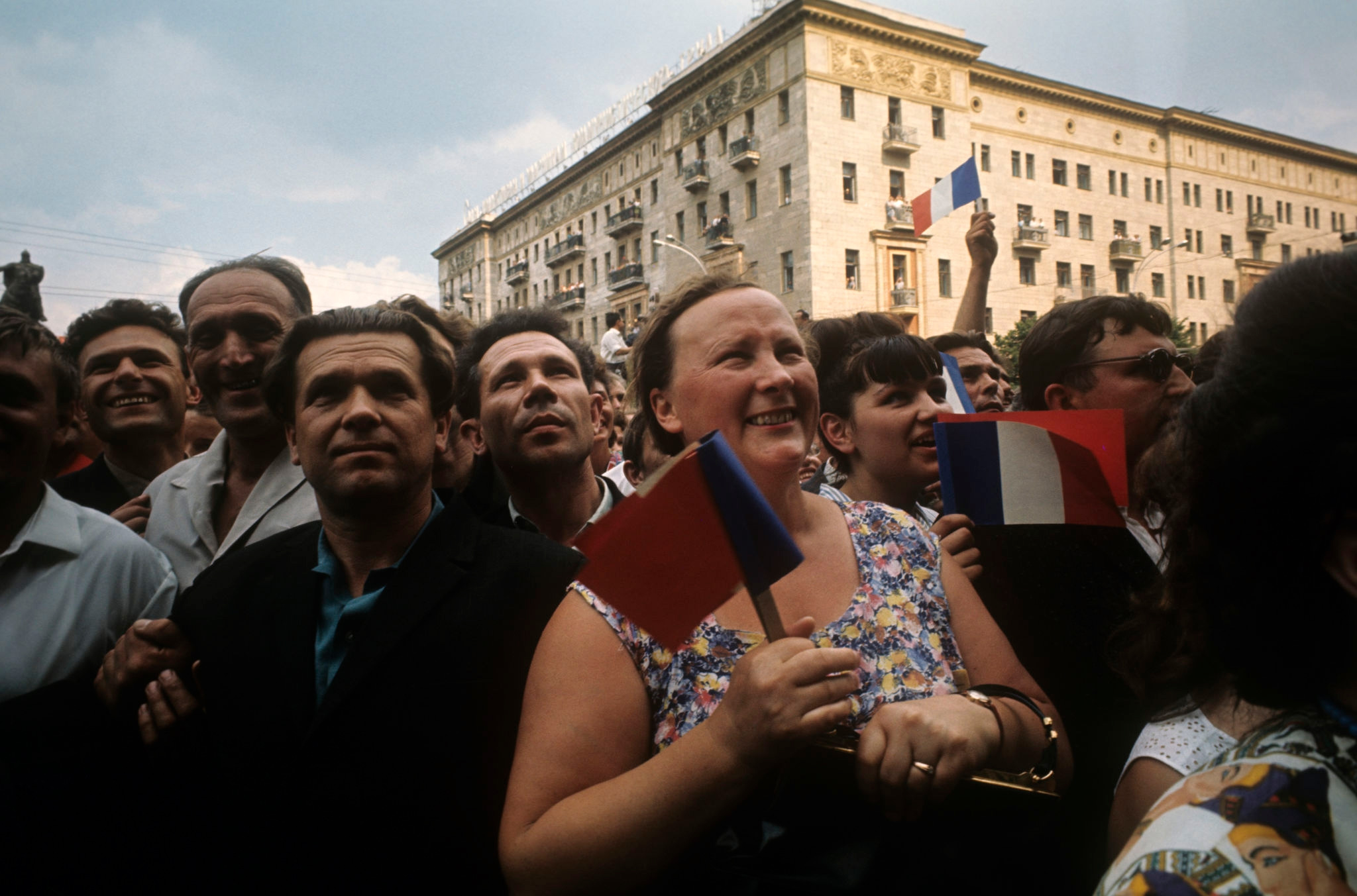 Москвичи встречают Шарля де Голля.