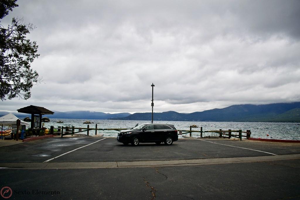 kia-sorento-parked-by-boat-launching-area