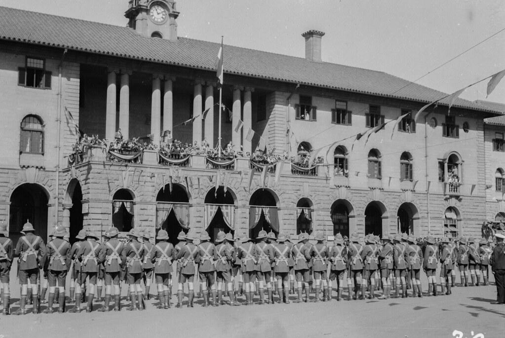 Претория. Военный парад на церковной площади