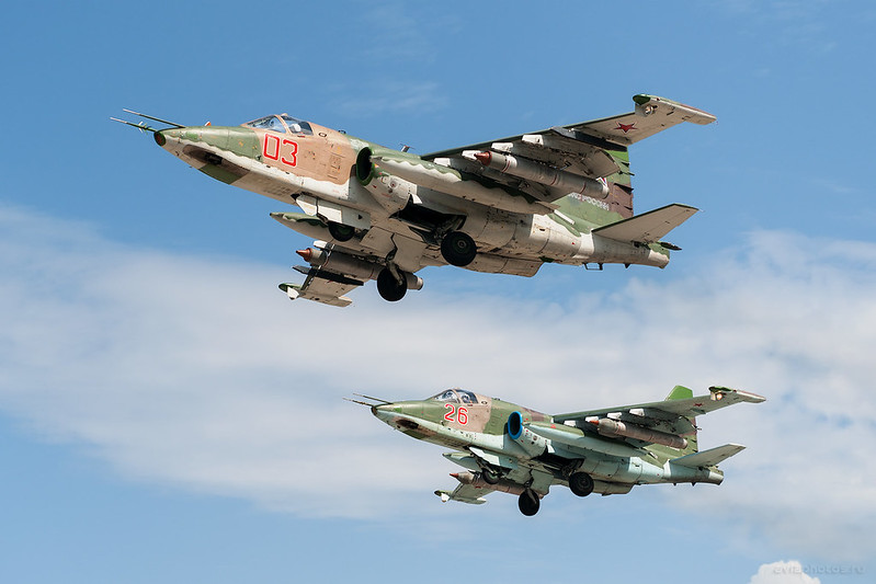 Sukhoi_Su-25SM_RF-95183_03red_Russia-Airforce_074_D704760