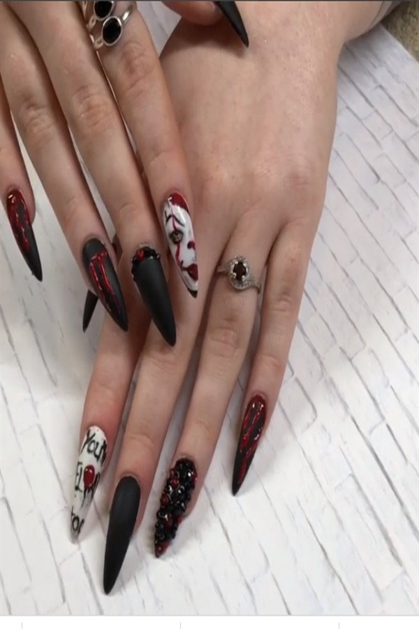 40+ Easy Halloween Nail Polish Designs 2018 #halloween_nails #nail_art_designs #nail_ideas #manicure