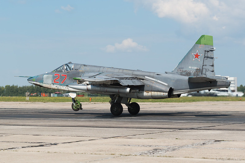 Sukhoi_Su-25SM_RF-93884_27red_Russia-Airforce_128_D801362