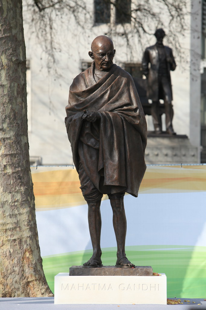 Mahatma_Gandhi_at_Parliament_Square,_London