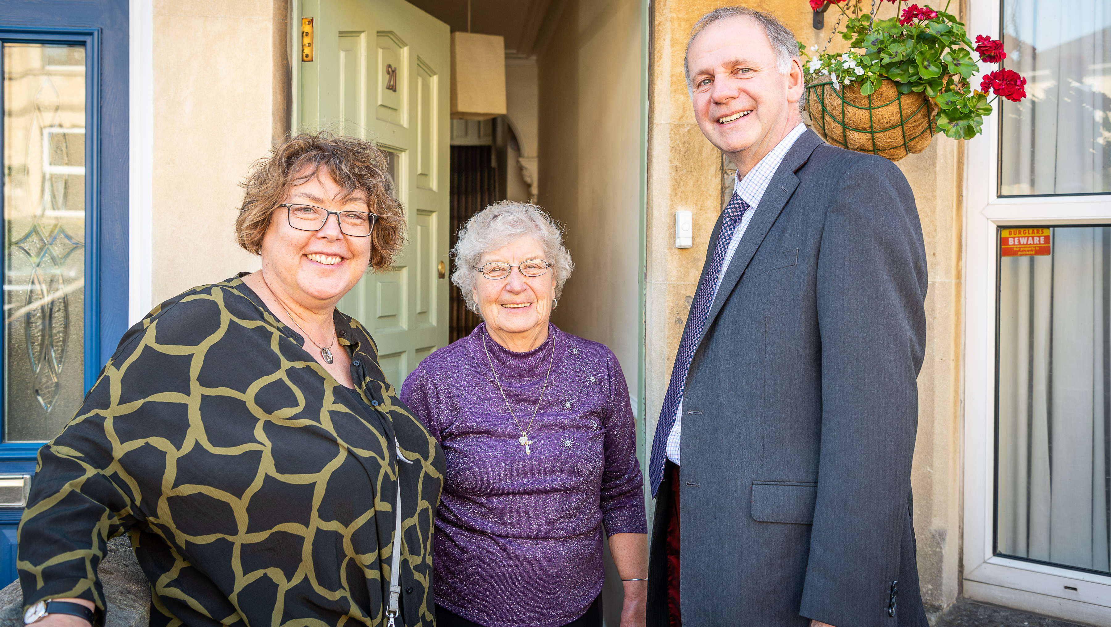 Bath Spa University's Vice-Chancellor, Professor Sue Rigby (left), and the University of Bath's Acting Vice-Chancellor, Professor Bernie Morley (right) took part in the Student Community Partnership's yearly Good Neighbour campaign.