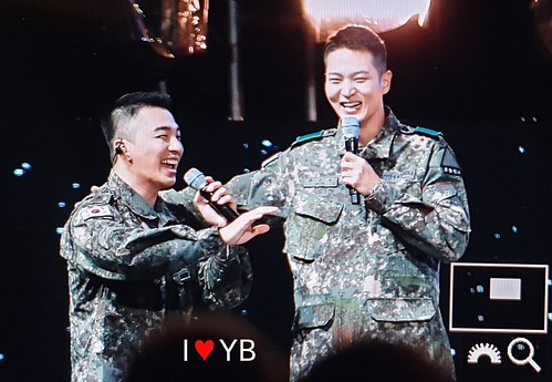 Taeyang Daesung Ground Forces Festival 2018-10-08 Day 3 (9)