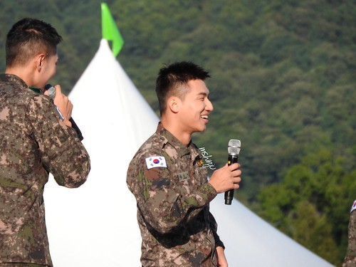 Taeyang Daesung Ground Forces Festival 2018-10-08 Day 3 (3)