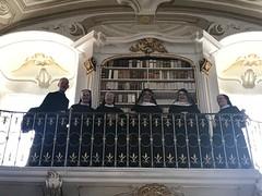 Beuroner Äbtissinen zu Besuch in der Admonter Stiftsbibliothek