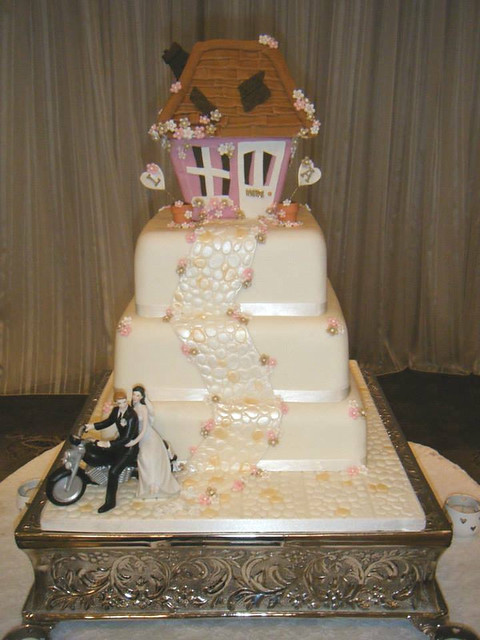 WeddingCake by Sugarhill Cakes