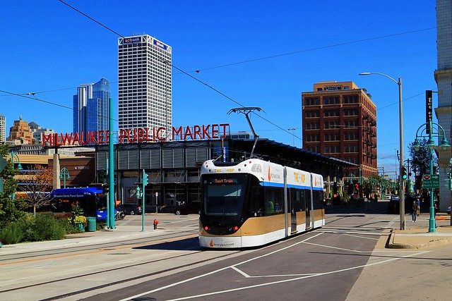 The Hop #05 eastbound toward the Public Market