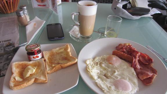 Bon Cafe Naklua Road Pattaya