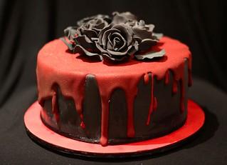 66daec53dbc2264ad476e93206f7c048--gothic-birthday-cakes-gothic-cake