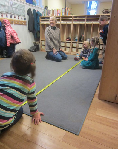 measuring the cubby rug