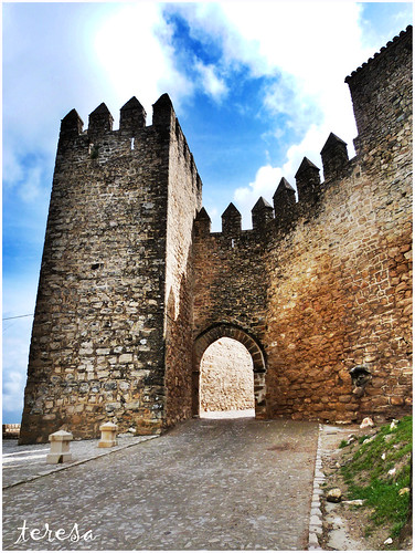 Puerta de los Santos y Torre de la barbacana de la Muralla Norte de Sabiote