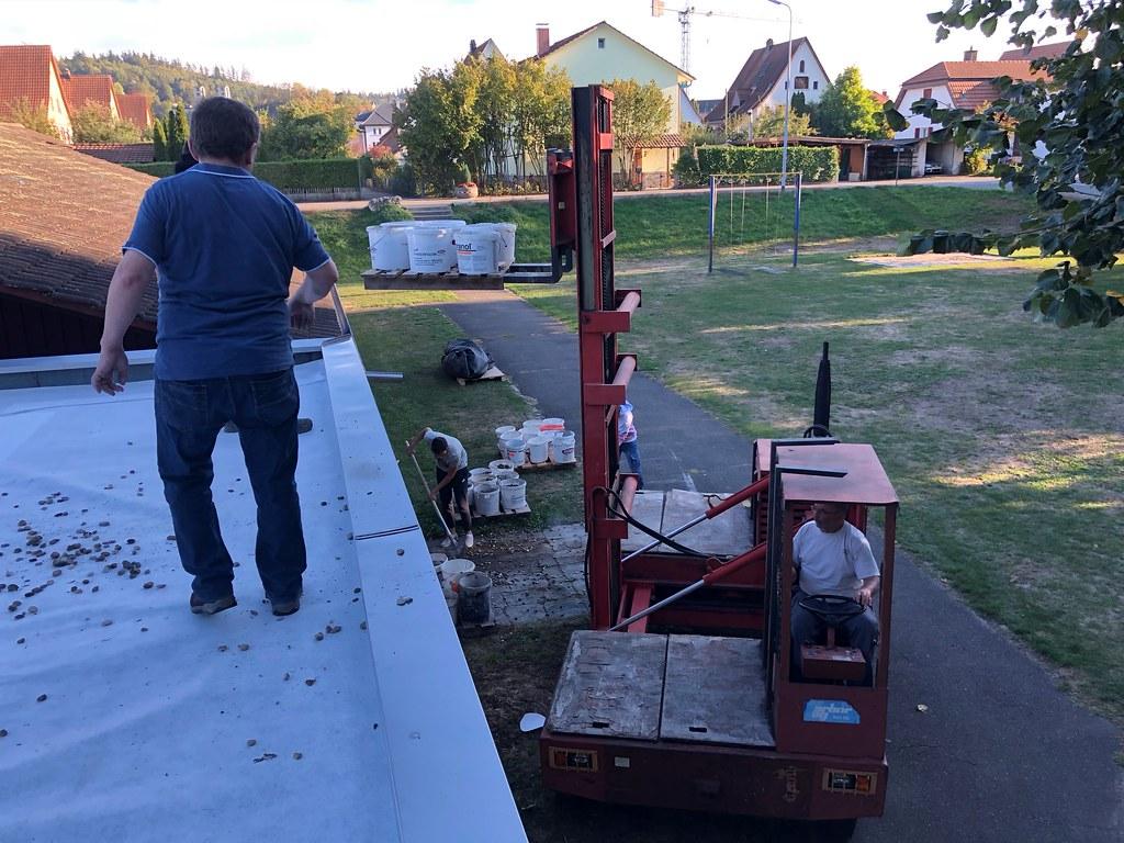 Dachsanierung Clubhaus Feld Okt. 2018