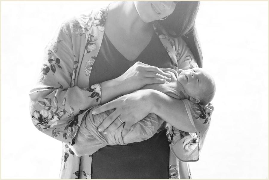 luca-newborn-56-bw