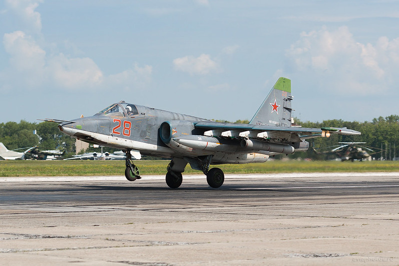 Sukhoi_Su-25SM_RF-93885_28red_Russia-Airforce_119_D801353