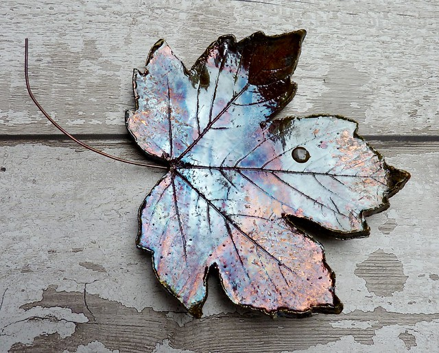 ceramic leaf decoration