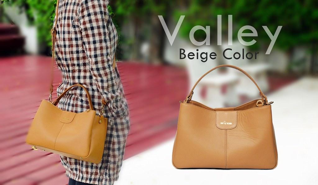 Beige color handbag