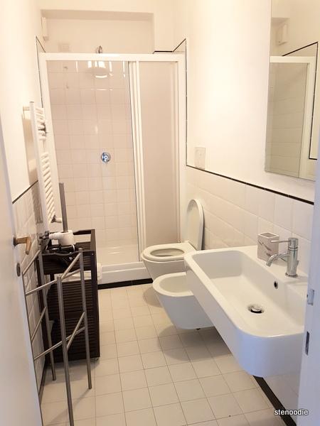 Vaticanum 67 bathroom