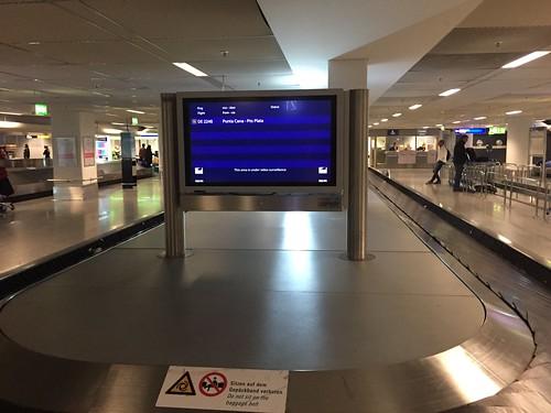 Frankfurt Airport - Baggage conveyor belt / Gepäckband
