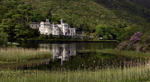 nikon d810 irlande connemara kylemoreabbey château reflet feflection comtédegalway lake abbaye rhododendrons