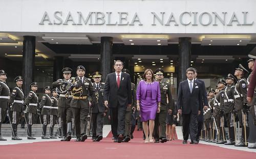 PRESIDENTA DE LA ASAMBLEA NACIONAL, ELIZABETH CABEZAS GUERRERO, RECIBE LA VISITA PROTOCOLARIA DEL SEÑOR PRESIDENTE DE LA REPÚBLICA DEL PERÚ, MARTÍN VIZCARRA. QUITO, 25 DE OCTUBRE 2018.