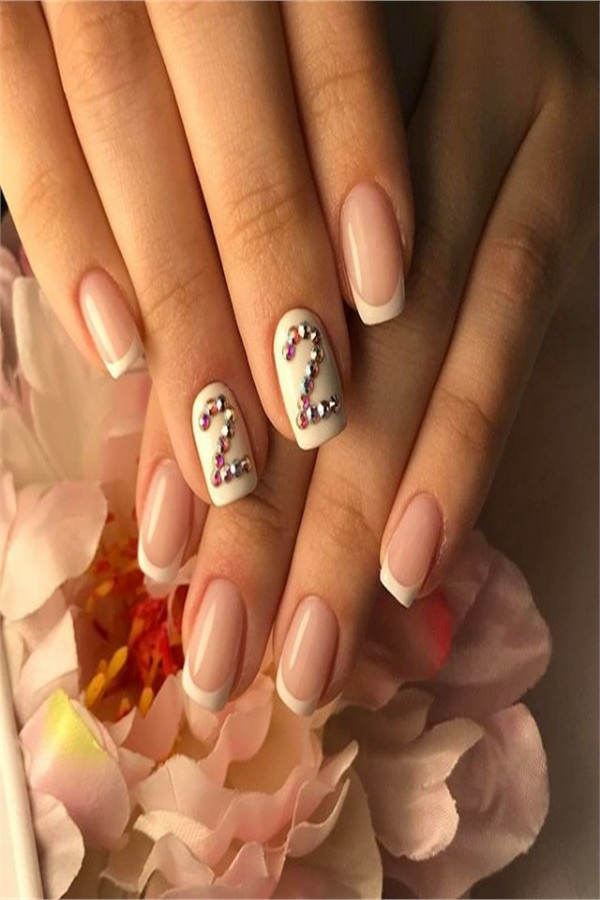 Birthday Party Nail Art amazing designs You Must Try  #birthday_nails #birthday_nail_art #birthday_manicure #party_nails #nail_art_design