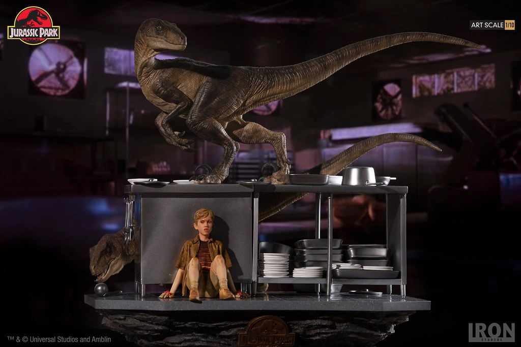 Iron Studios《Jurassic Park》Velociraptors in the Kitchen 1/10 Scale Diorama Art