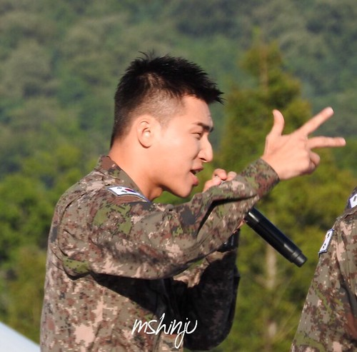 Taeyang Daesung Ground Forces Festival 2018-10-08 Day 3 (5)