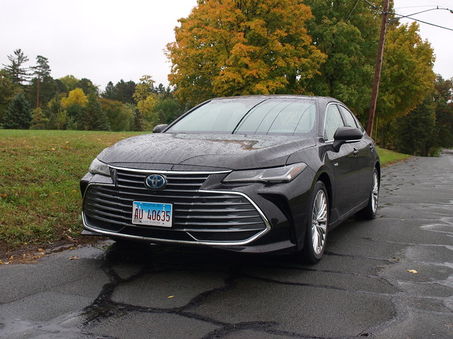 2019 Toyota Avalon Hybrid Limited
