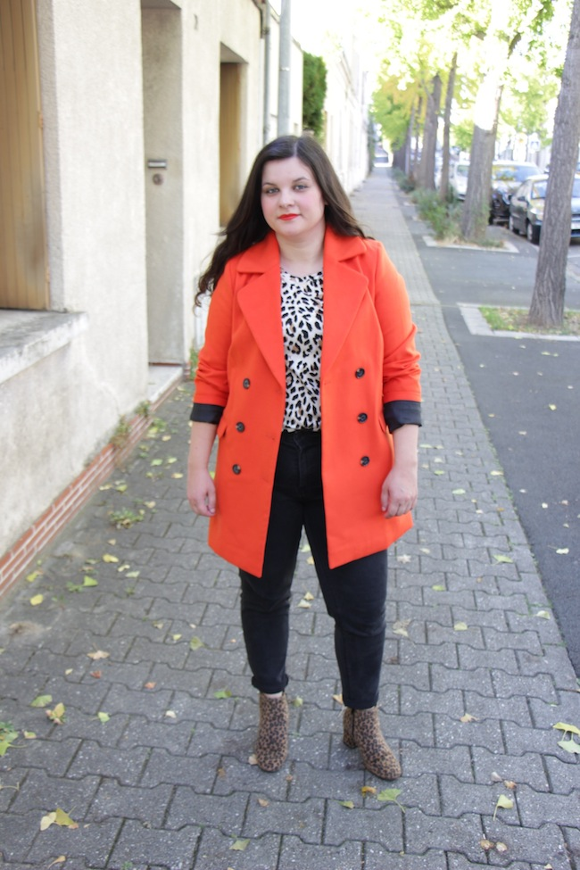 comment-porter-manteau-orange-blog-mode-la-rochelle-3
