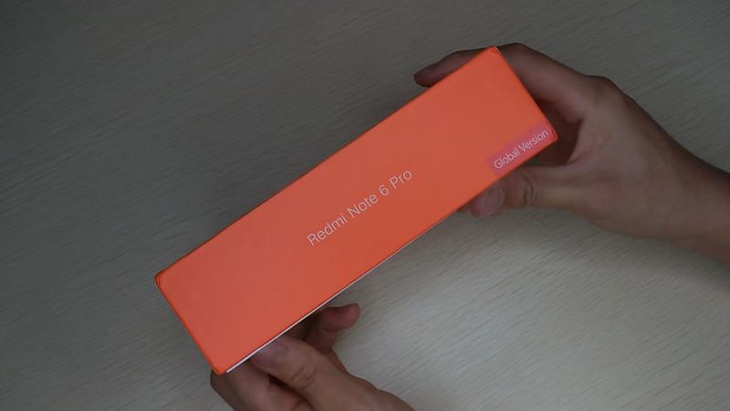 Xiaomi Redmi Note 6 Pro 開封 (2)
