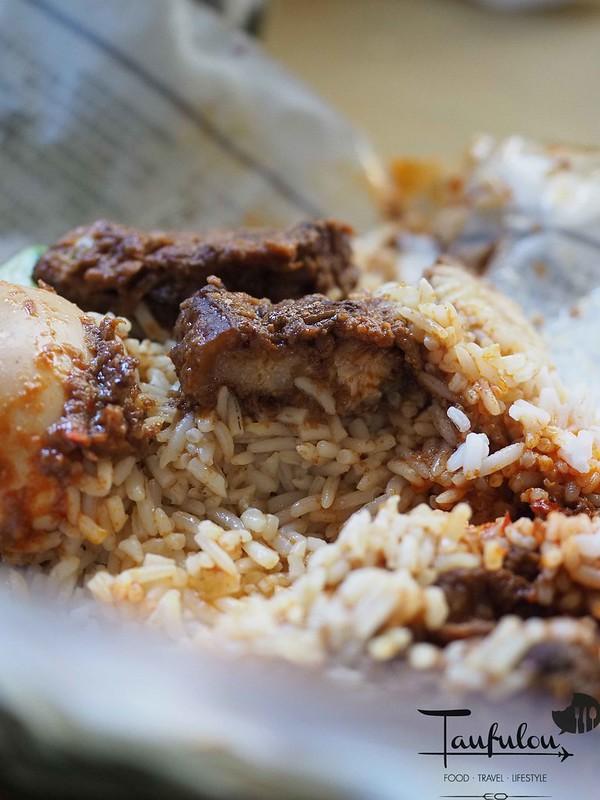 Taste Legendary Nasi Lemak Chow Kit Pasar (11)