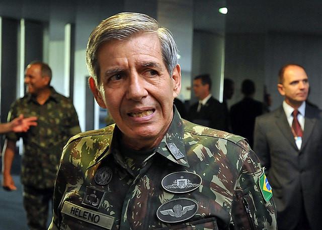 Se intensifica la presencia militar en la campaña de Jair Bolsonaro