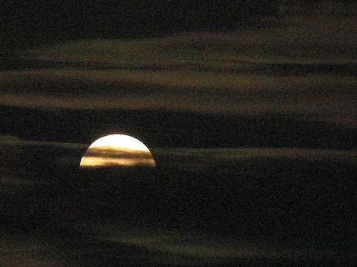 Hunter's Moon setting 01-20181024